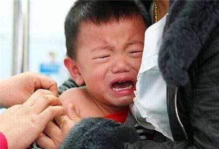 女儿高烧不退引朱丹焦虑!小儿发烧会烧坏脑子吗?
