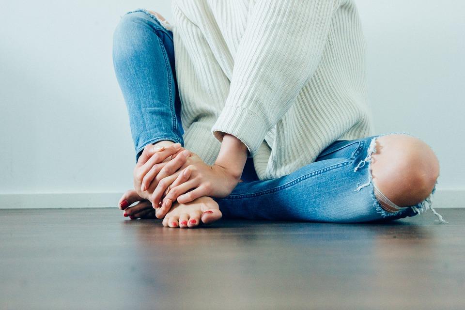 腿脚麻或是这几种病!9招助缓解