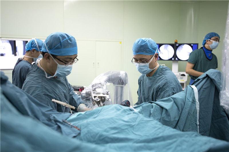 这个春节!上海8.4万医务人员放弃休息 服务96万多人