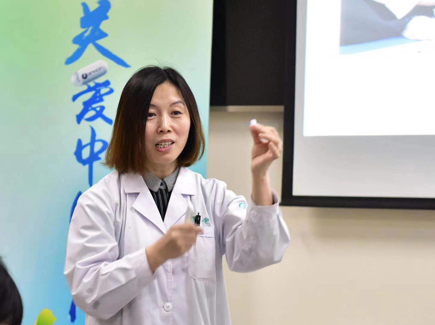 """全球超半数胃癌在中国,吞颗""""胶囊胃镜""""就能揪出早癌"""