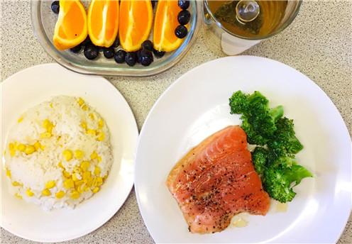 防老年黄斑变性  美最新研究试试地中海饮食吧