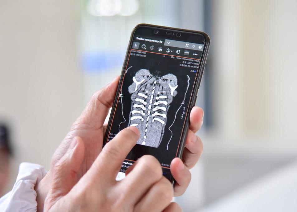 扫扫二维码,片子跟你跑!上海金山医院推出数字影像创新服务