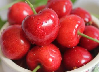樱桃上市季!水果店老板告诉你,樱桃应该这么挑