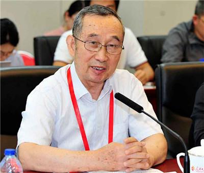 胡士良:邓小平健康长寿的秘诀是什么?