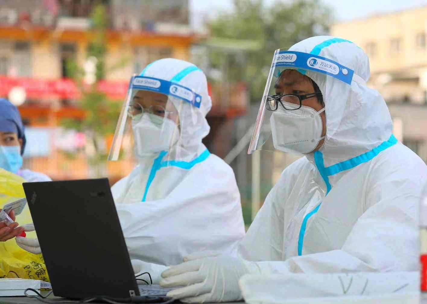 张文宏:上海防疫部队跑在了病毒前面