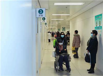 安宁疗护门诊:患者家属哭着说出的那些爱与痛