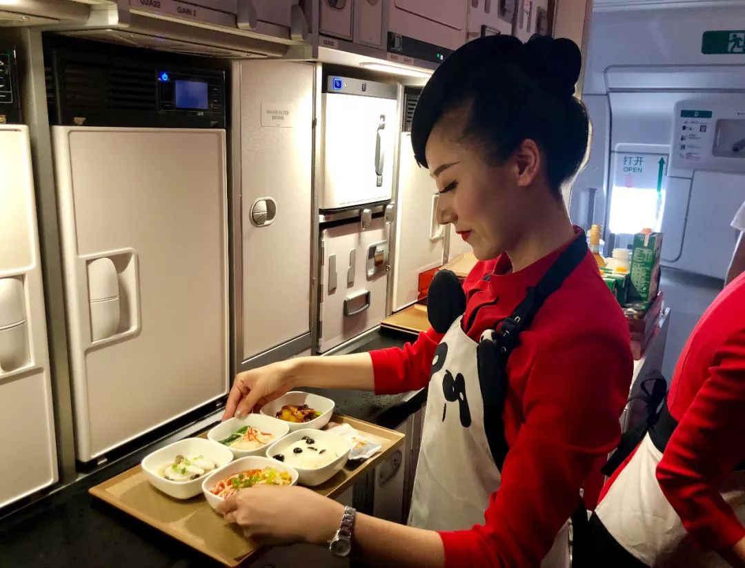 春运期间火车和飞机是否提供餐食?进餐是否有感染风险?