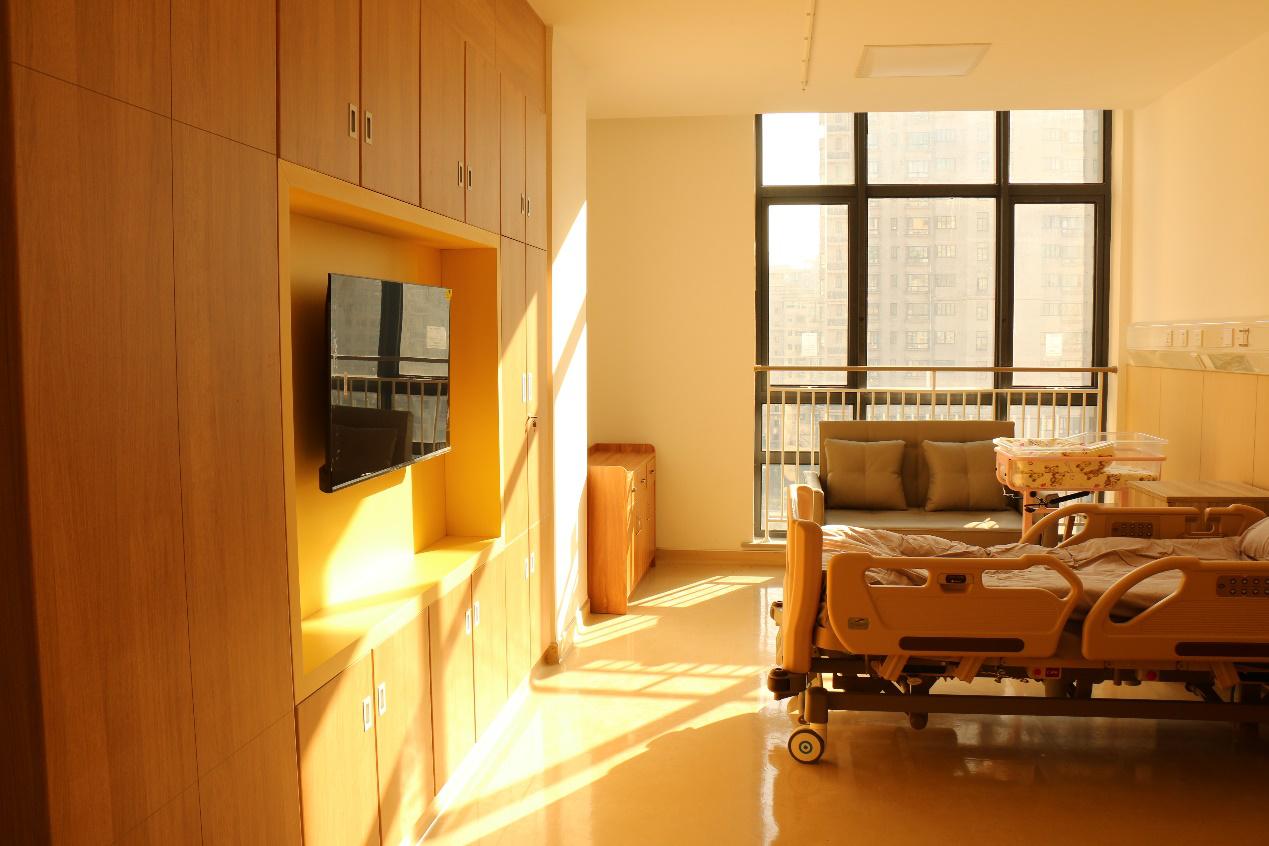 手把手教新手爸妈照护患儿,沪上首个新生儿家庭式病房启用